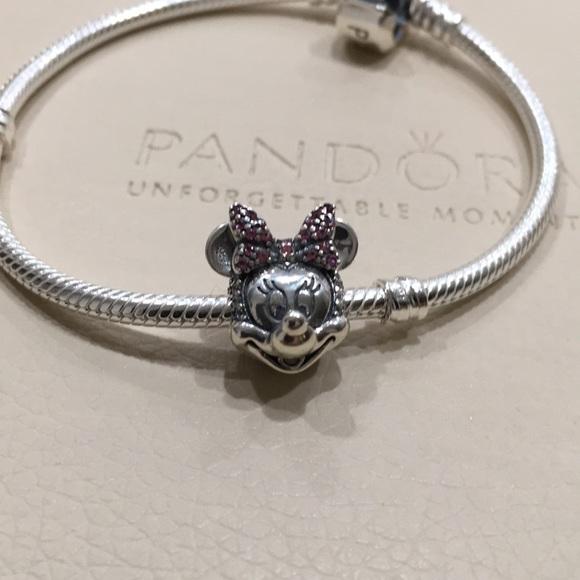 Pandora Disney Shimmering Minnie Portrait